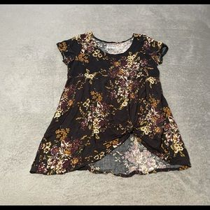 American Apparel capped sleeve, rayon, knotted top size small. Excellent cond.
